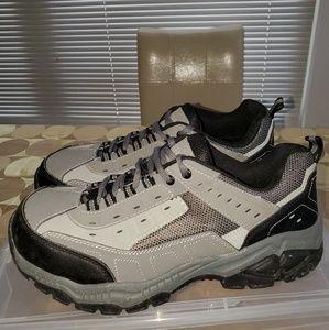 Brahma Men's Seth Steel Toe Low-Top Work Shoes.